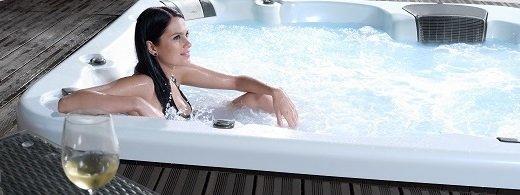 Vereinbaren Sie einen kostenlosen Termin zum Probe-poolen, um Ihren Traum Whirlpool zu testen.