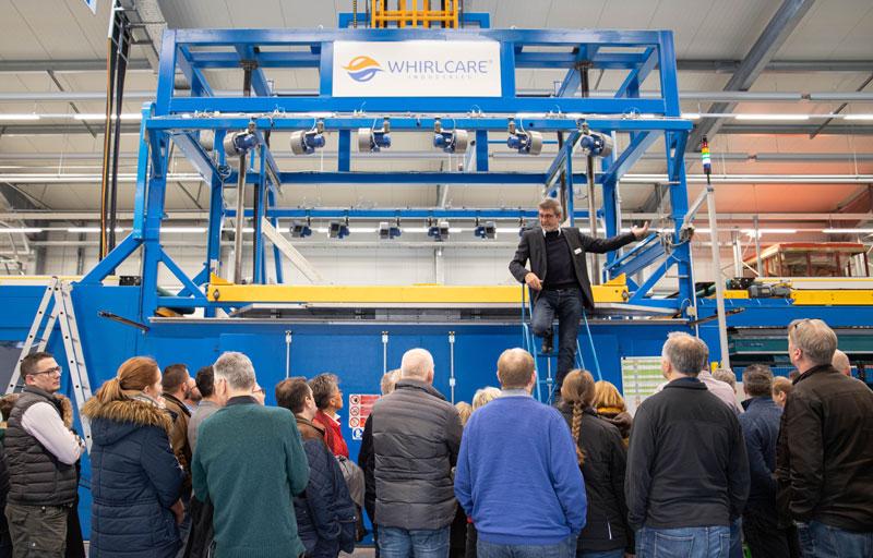 Weitgehend automatisiert: die Whirlpool-Produktion bei Whirlcare.