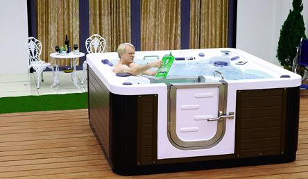 Entspannung pur im Whirlpool Alpha Spas Honos